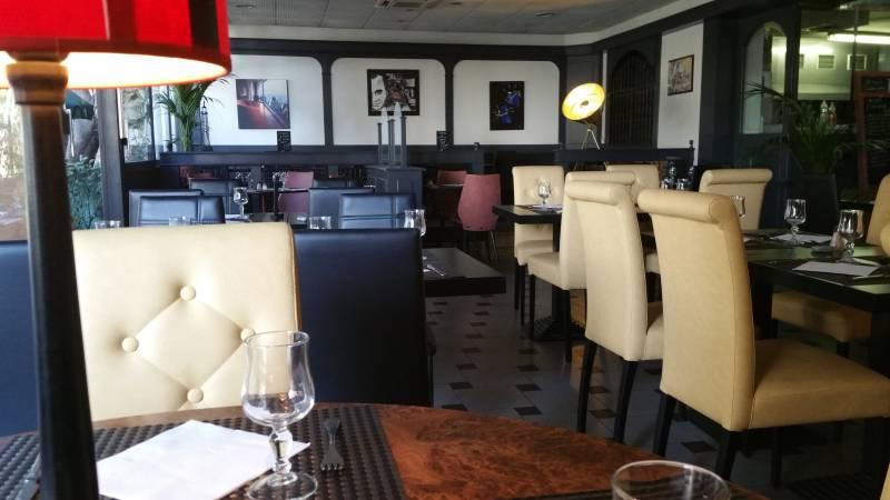 restaurant cuisine du sud ouest nice centre l 39 ovale. Black Bedroom Furniture Sets. Home Design Ideas